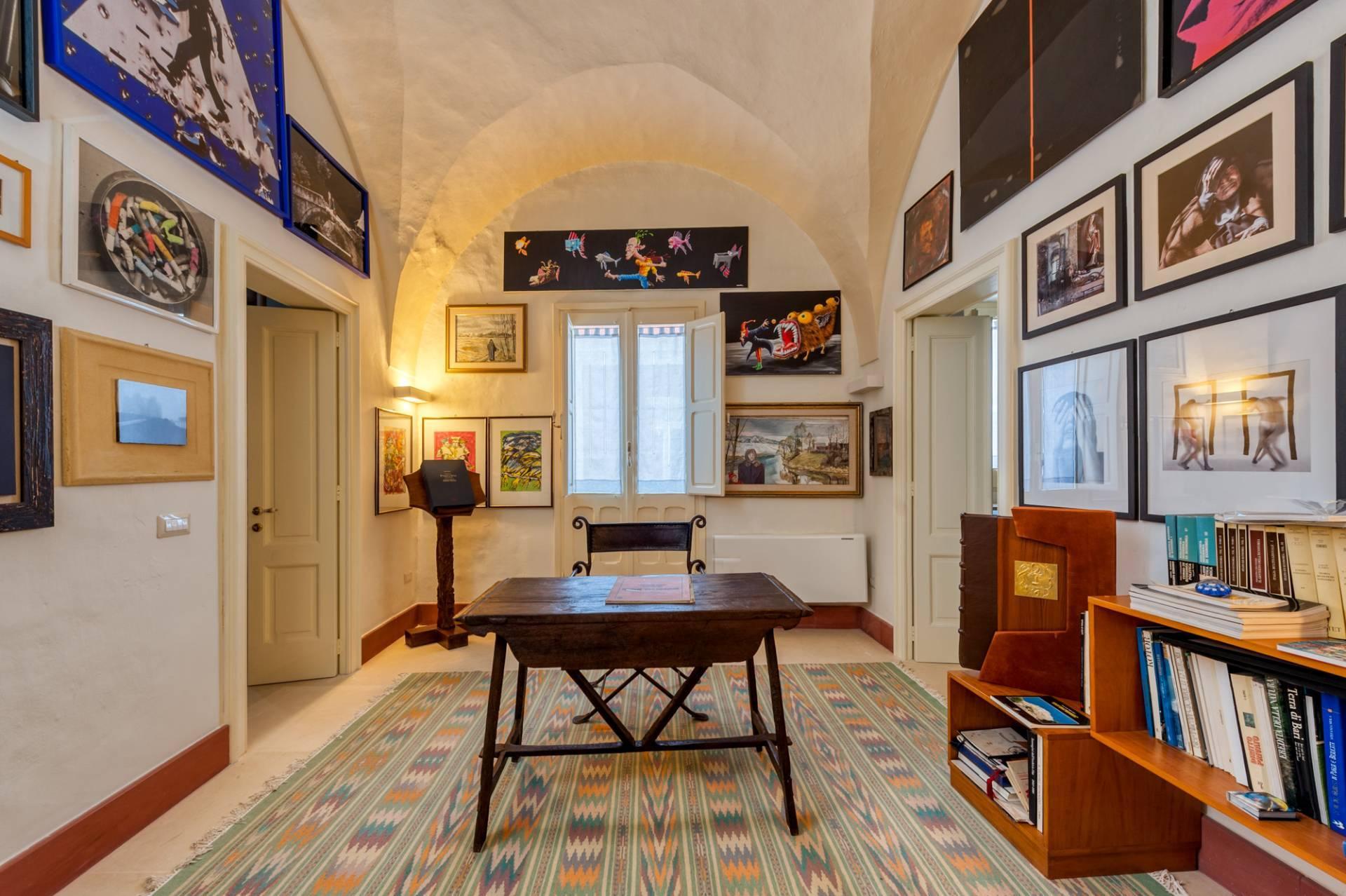 Palazzo in Affitto a Lequile: 5 locali, 500 mq - Foto 8