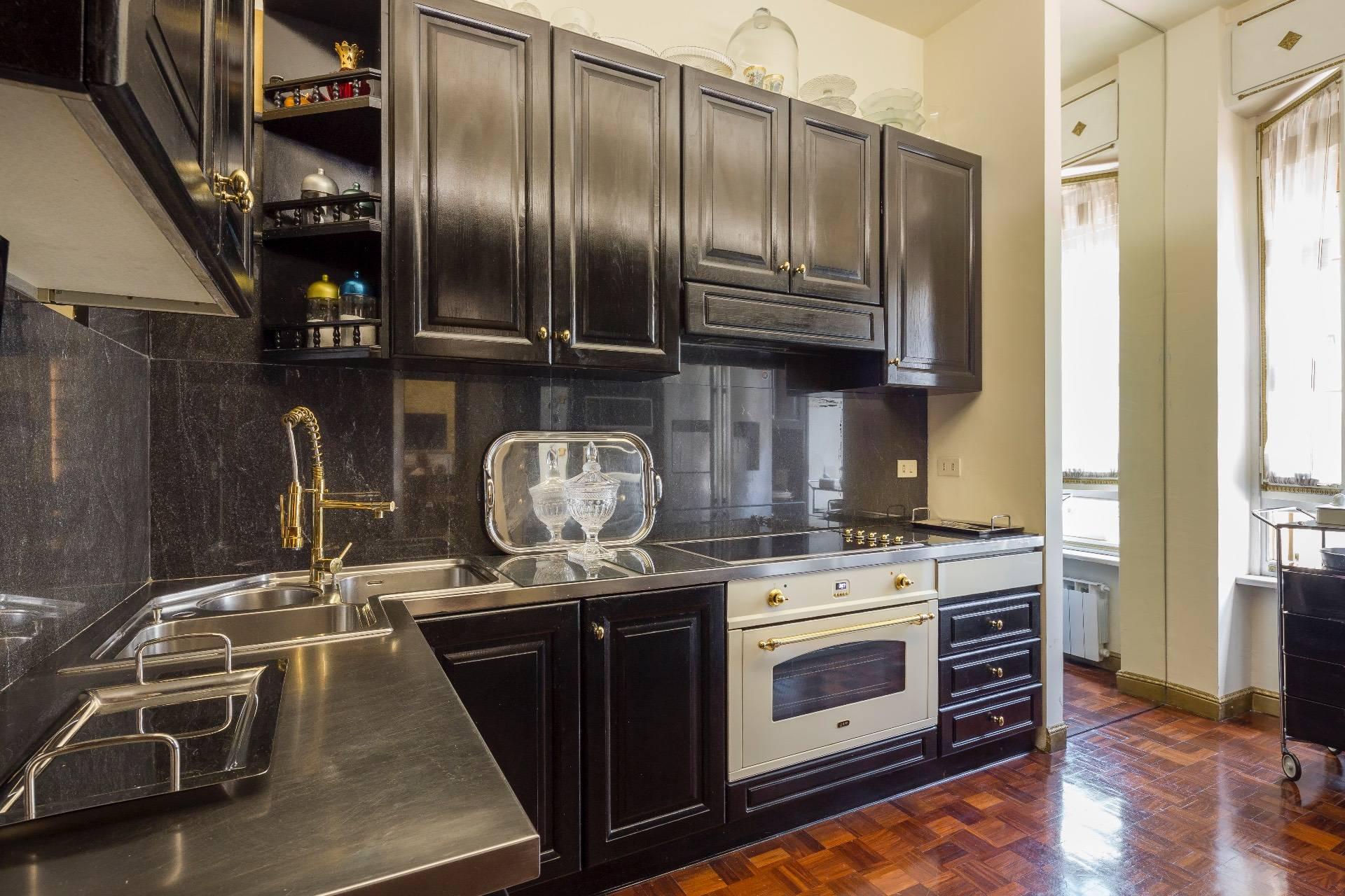 Appartamento in Vendita a Milano: 5 locali, 250 mq - Foto 10