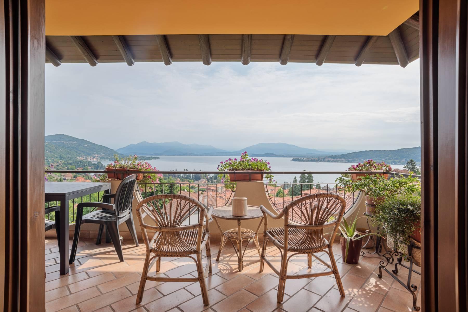 Villa in Vendita a Meina: 4 locali, 300 mq - Foto 1