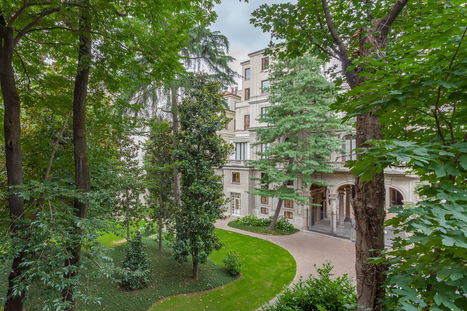 Appartamento in Vendita a Milano: 5 locali, 470 mq - Foto 2