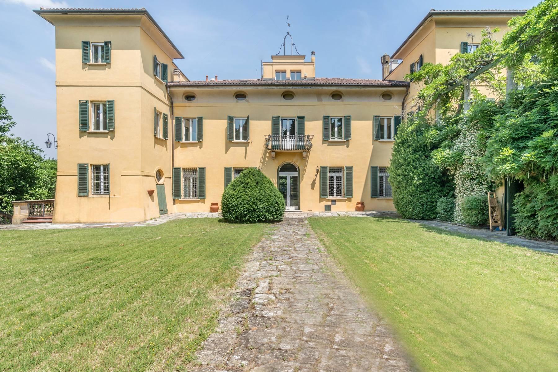 Villa in Vendita a Bologna via di monte donato