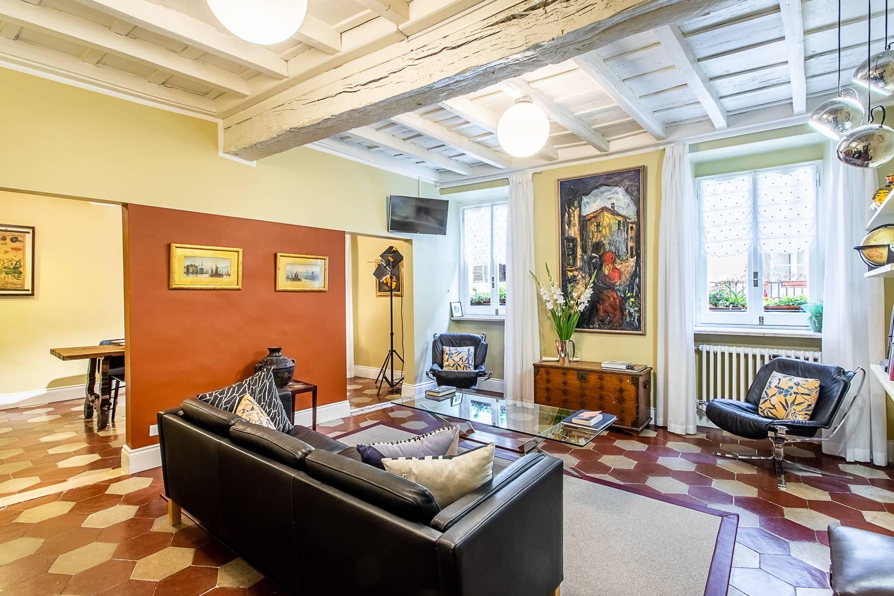 Appartamento in Vendita a Roma via giulia