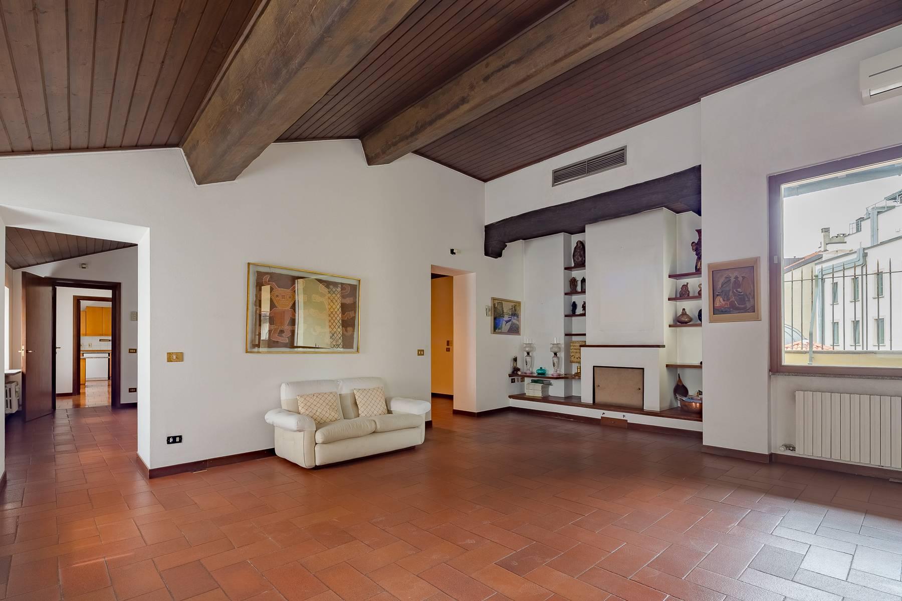 Appartamento in Vendita a Milano via meravigli