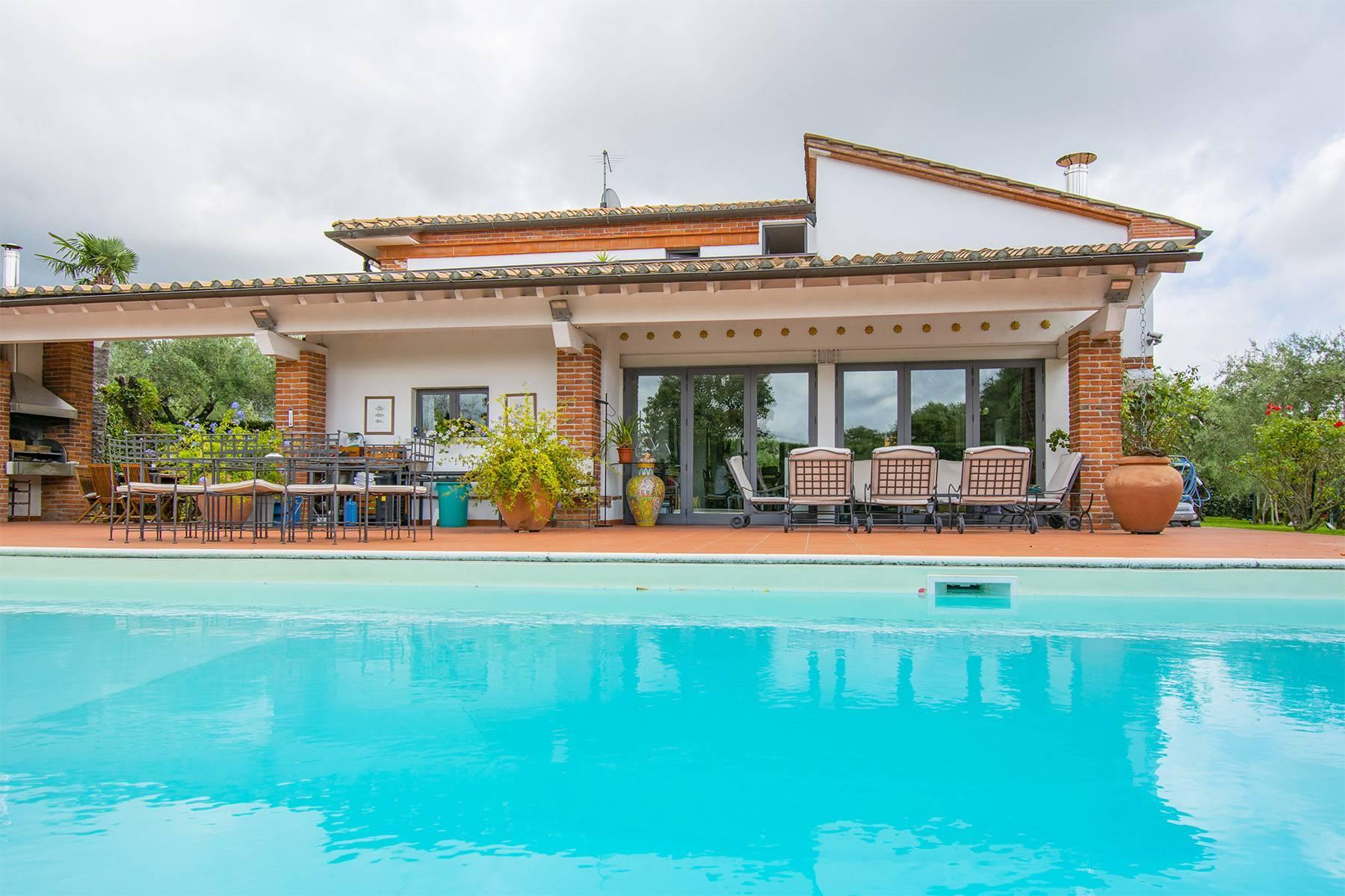 Casa indipendente in Vendita a Pietrasanta: 5 locali, 280 mq - Foto 2