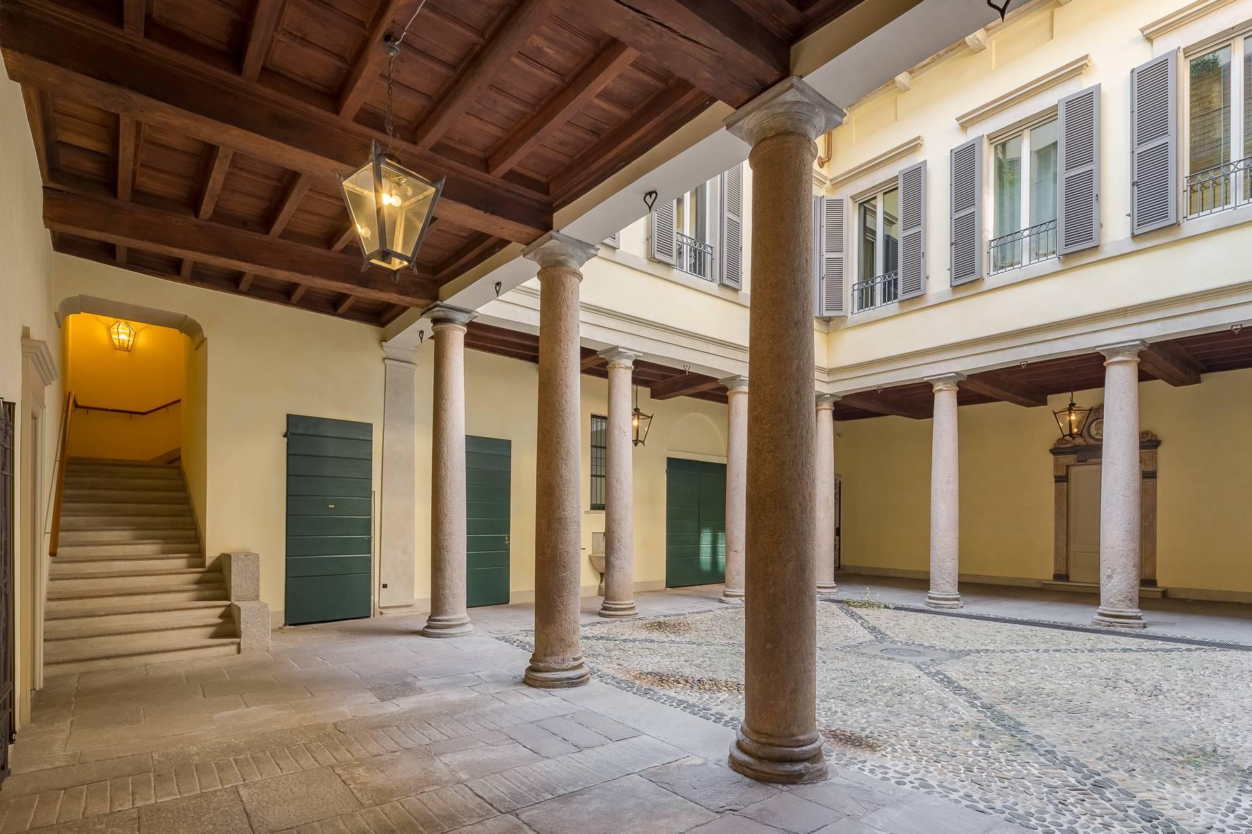 Appartamento in Vendita a Milano via morigi