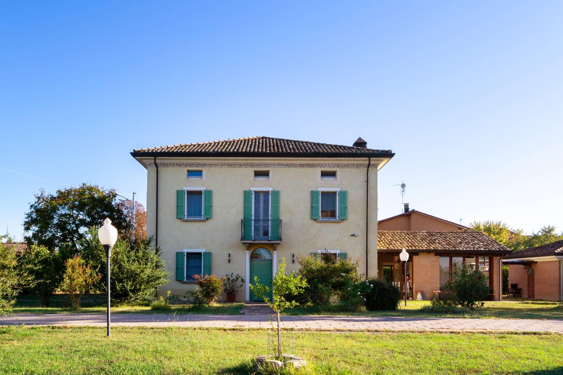 Villa in Vendita a Fidenza via chiusa ferranda
