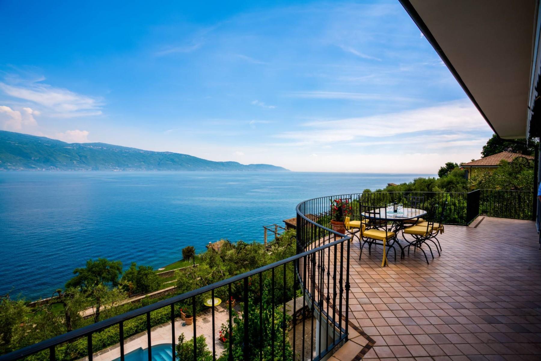 Villa in Vendita a Gargnano: 5 locali, 350 mq - Foto 1