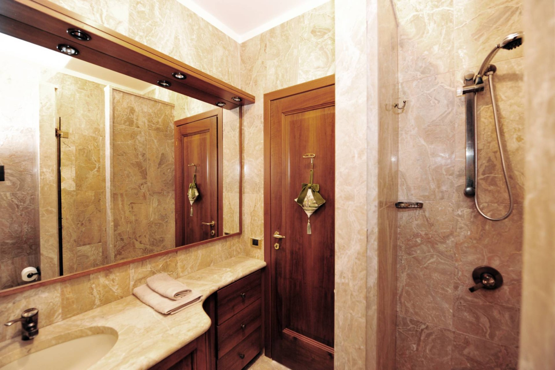 Villa in Vendita a Gargnano: 5 locali, 350 mq - Foto 18
