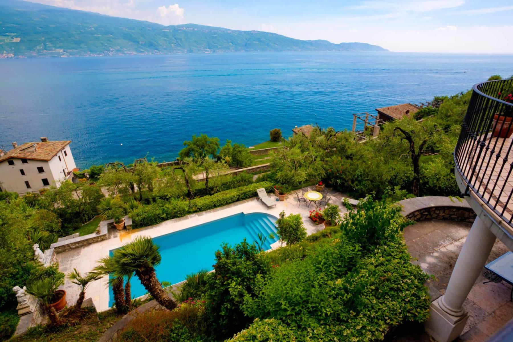 Villa in Vendita a Gargnano: 5 locali, 350 mq - Foto 2