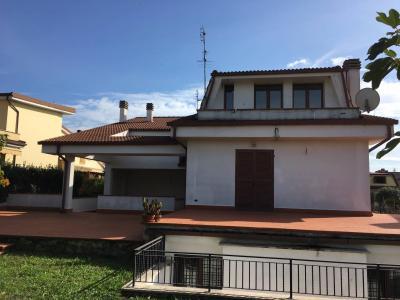 Vai alla scheda: Villetta bifamiliare Vendita Guidonia Montecelio