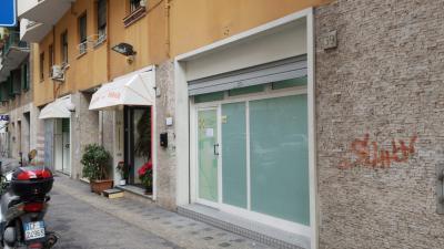 Vai alla scheda: Negozio Affitto Roma