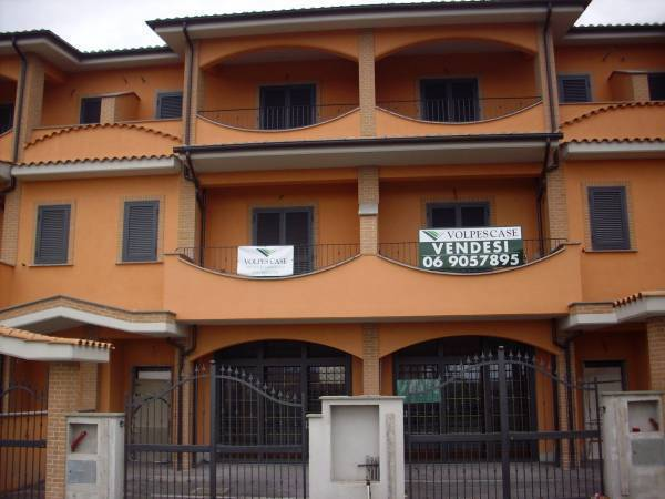 Villa a Schiera in affitto a Fonte Nuova, 5 locali, zona Località: TorLupara, prezzo € 299.000   CambioCasa.it