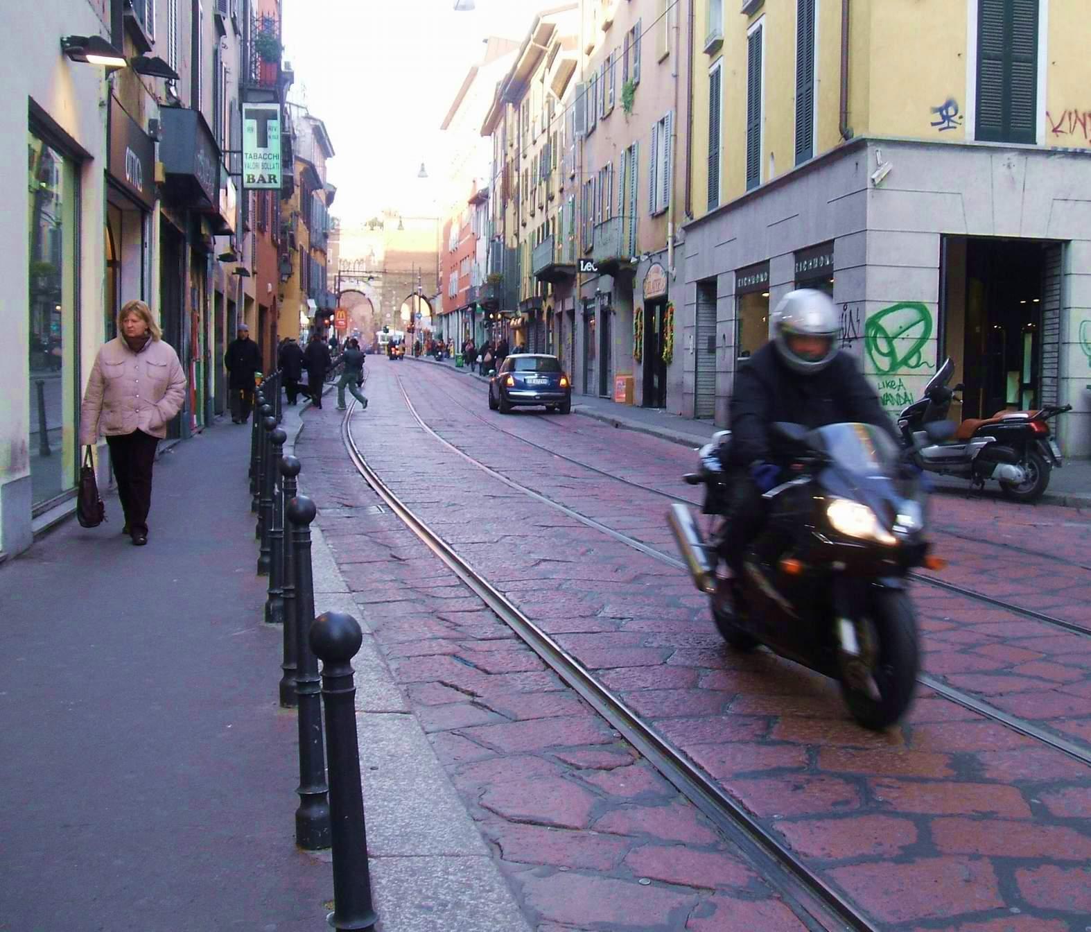 Negozio in vendita a Milano in Corso Di Porta Ticinese