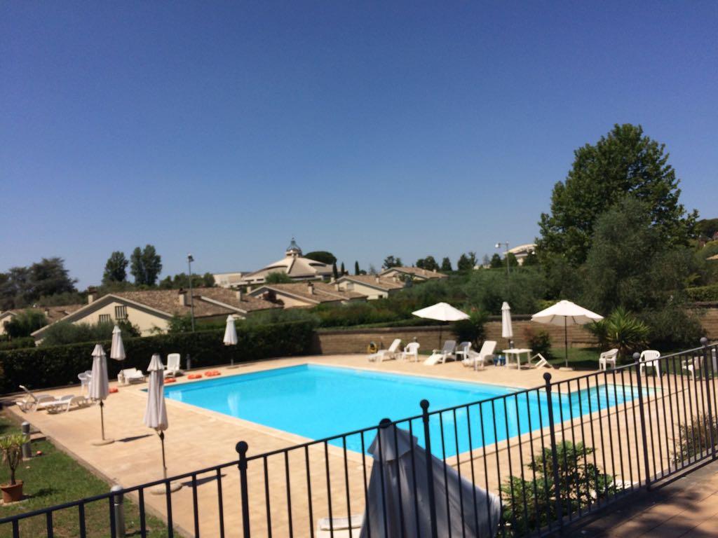 Villa in vendita a Sacrofano, 10 locali, prezzo € 649.000 | CambioCasa.it