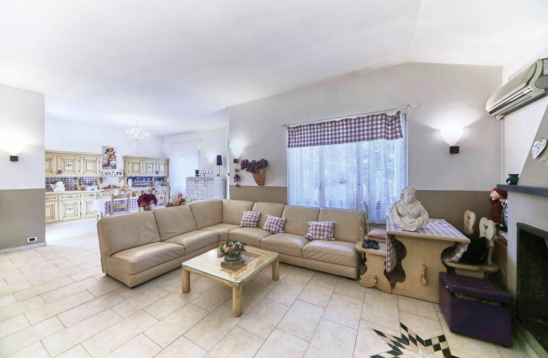 Trezzano sul Naviglio | Villa in Vendita in Via Silvio Pellico | lacasadimilano.it