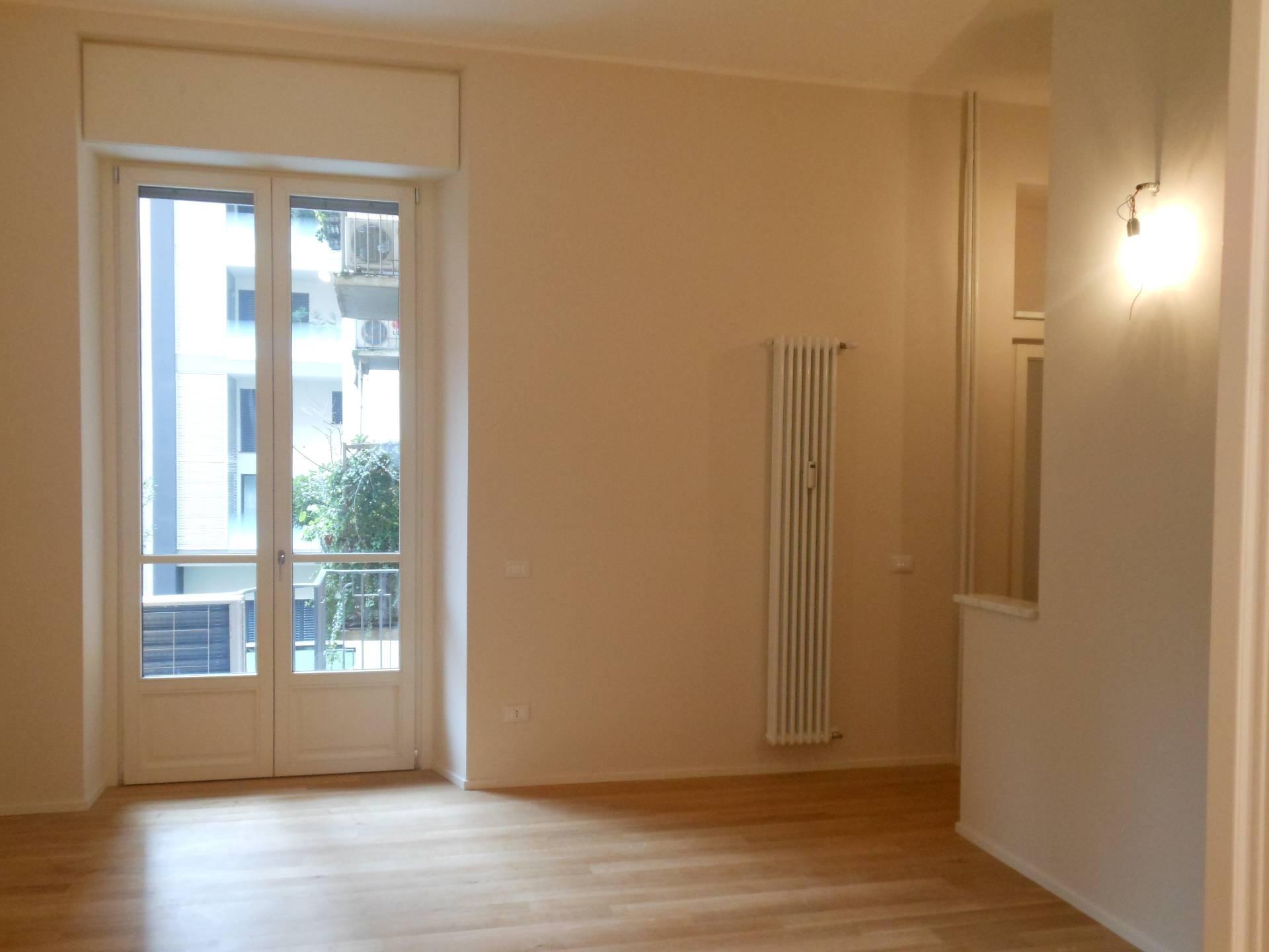Milano | Appartamento in Vendita in Via Domodossola | lacasadimilano.it