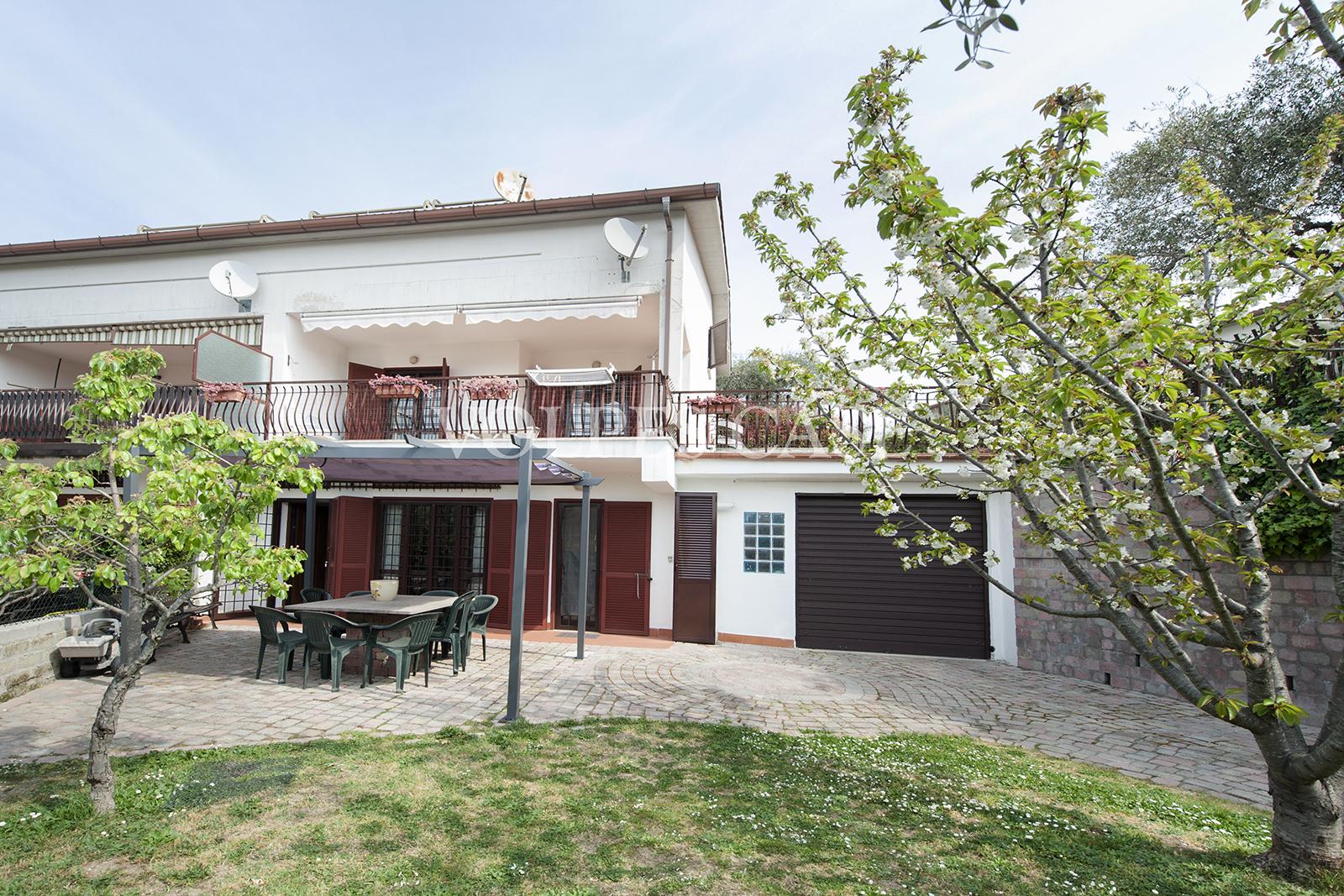 Villa in vendita a Castelnuovo di Porto, 6 locali, prezzo € 260.000 | CambioCasa.it