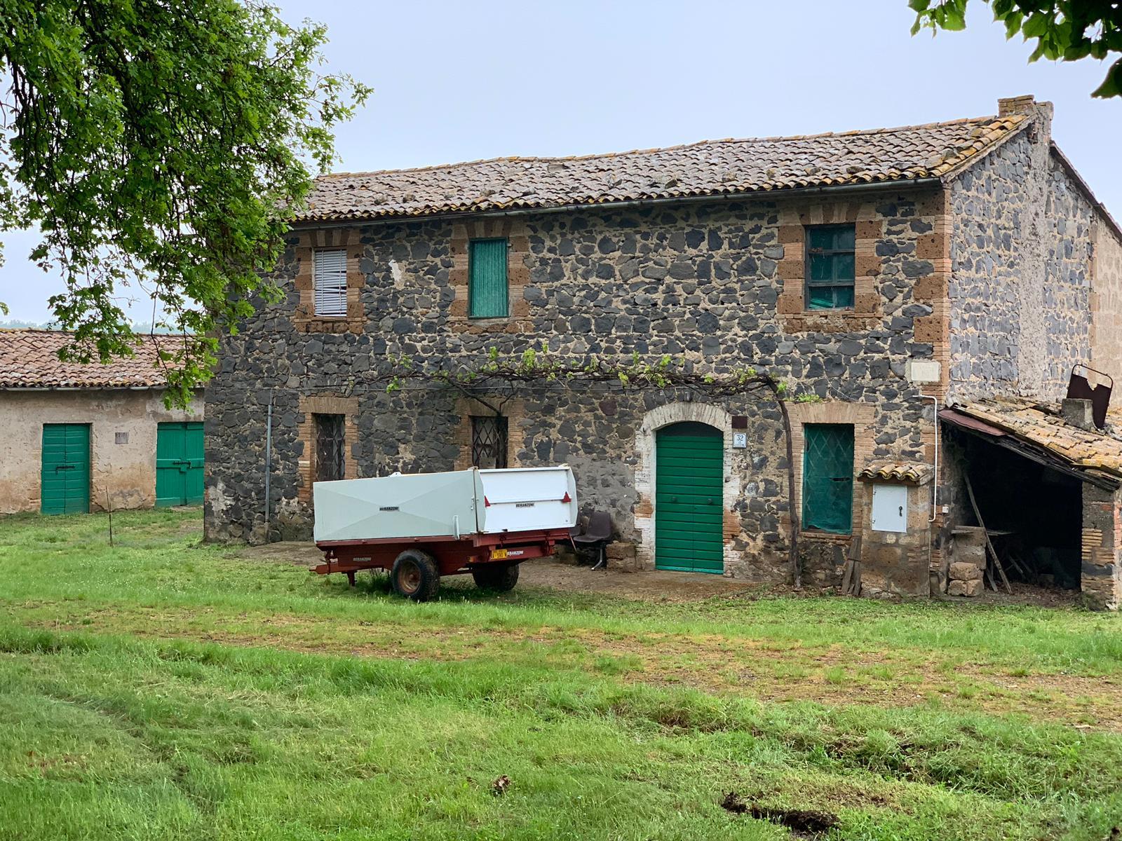 Rustico / Casale in vendita a Lubriano, 9 locali, prezzo € 790.000   CambioCasa.it