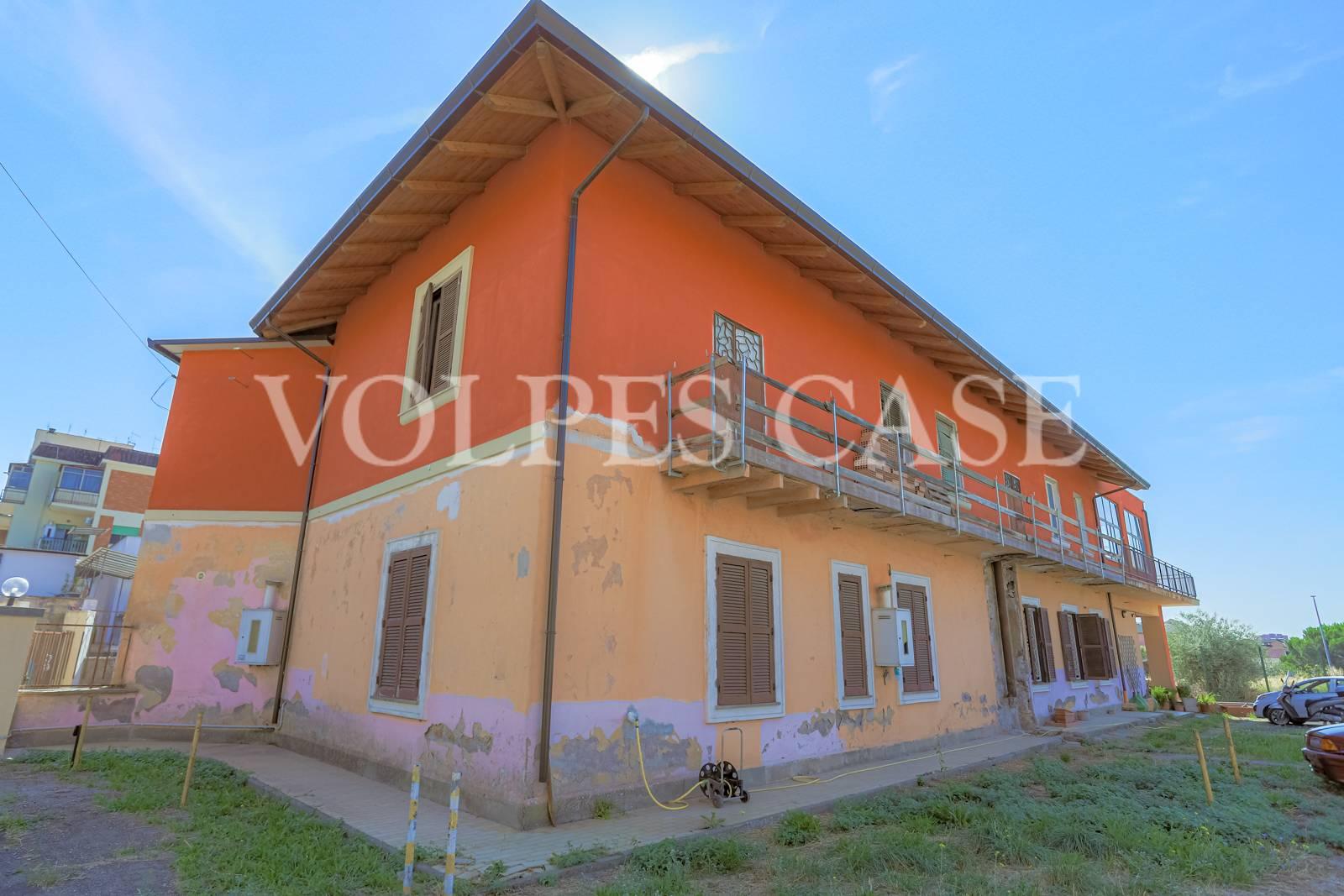 Villa Bifamiliare in vendita a Roma, 6 locali, zona Località: Tiburtino, prezzo € 490.000 | CambioCasa.it