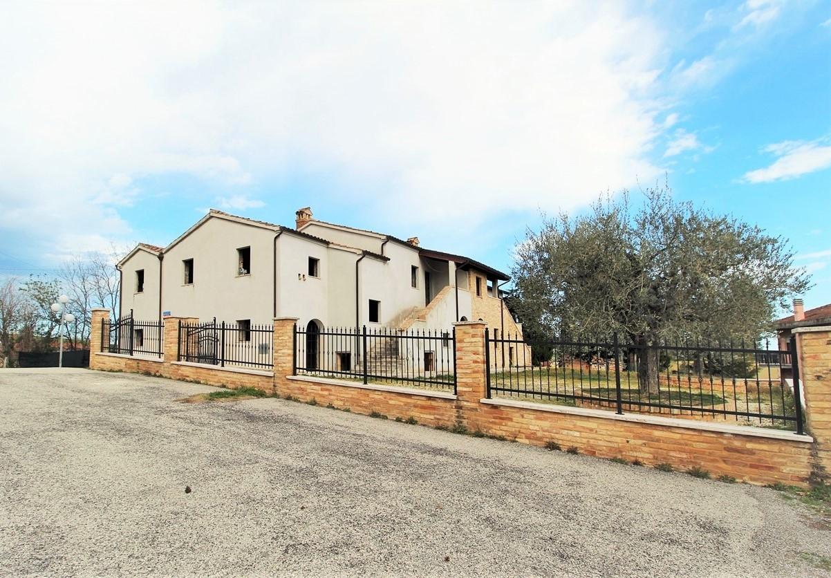 Rustico in vendita a Monsampolo Del Tronto (AP)