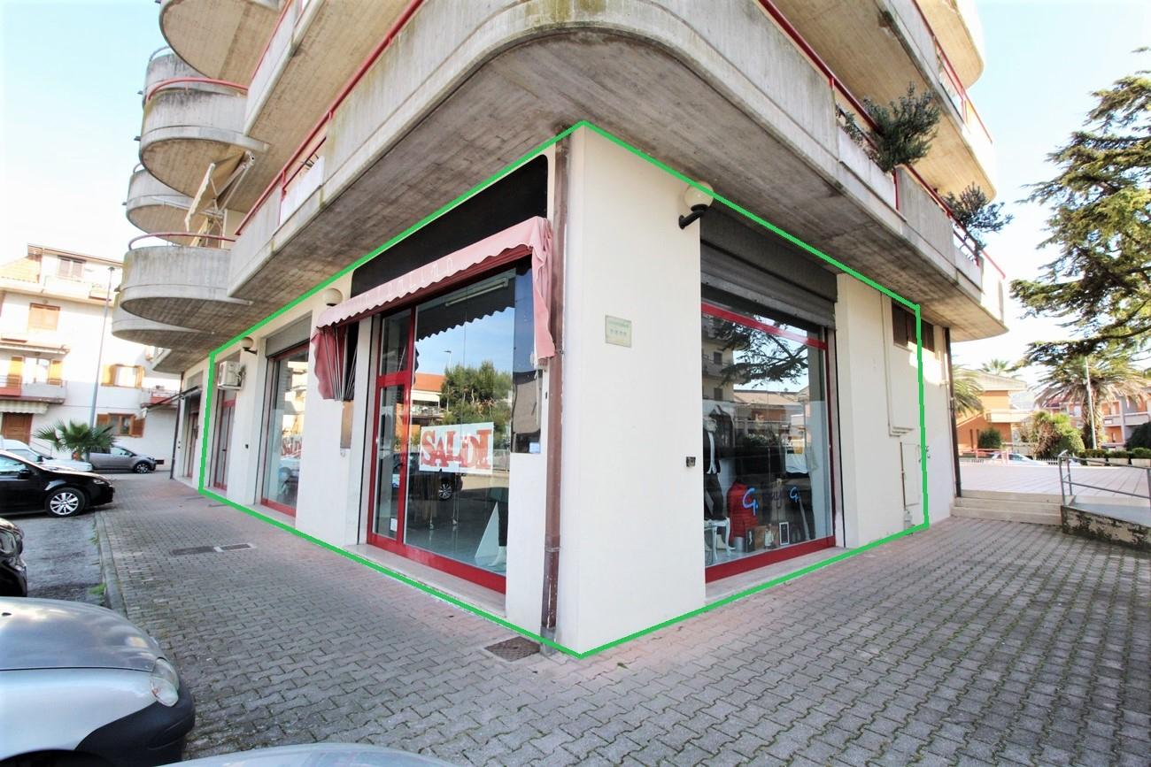 Negozio / Locale in vendita a Monteprandone, 9999 locali, zona obuchi, prezzo € 120.000 | PortaleAgenzieImmobiliari.it