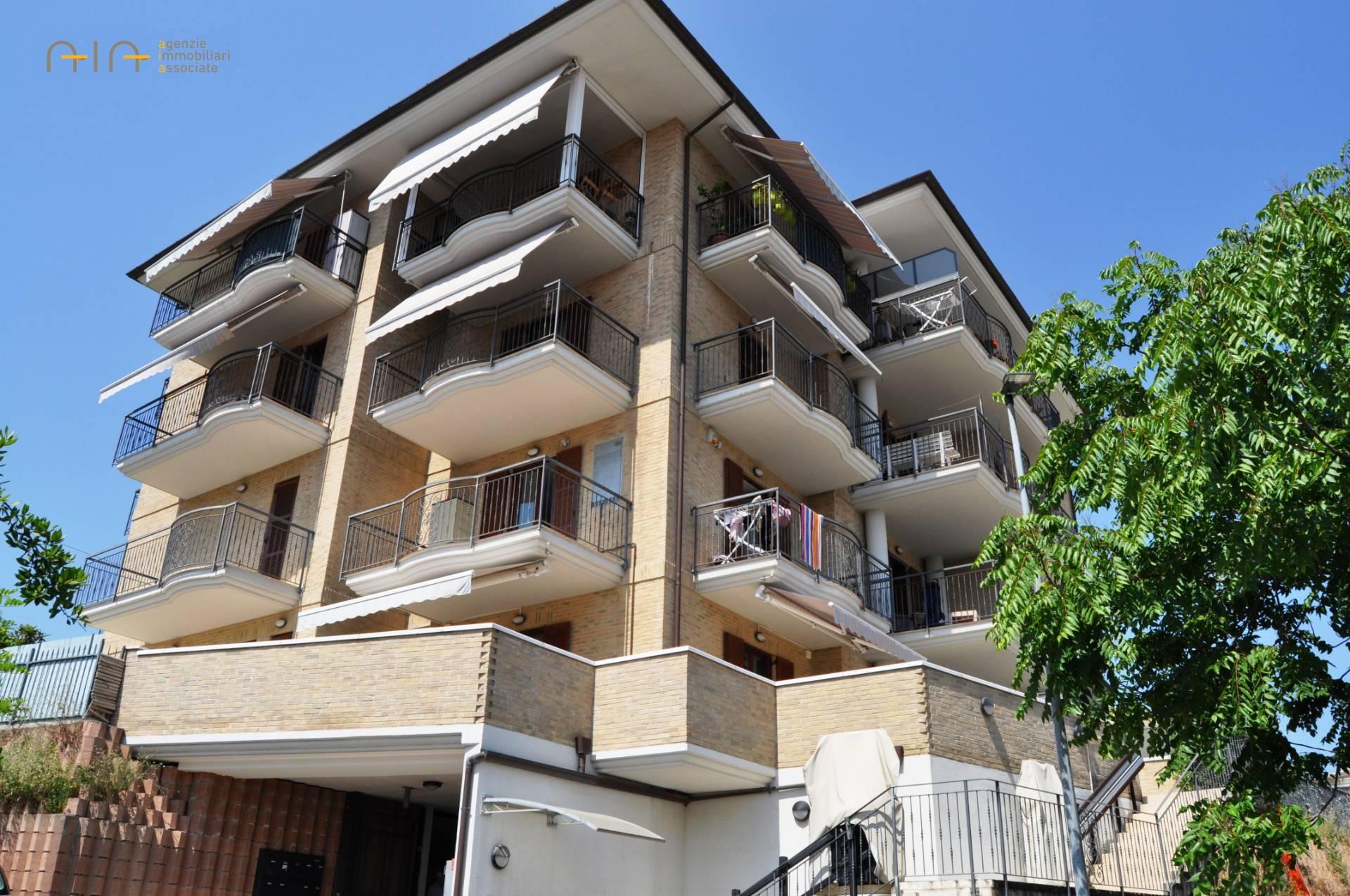 Appartamento in vendita a Monteprandone, 3 locali, zona Zona: Centobuchi, prezzo € 80.000 | CambioCasa.it