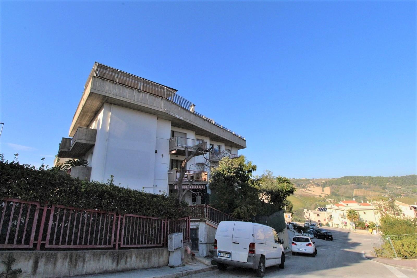 Appartamento in vendita a Monteprandone, 5 locali, zona Località: Centrale/centrostorico(vecchioincasatoezonaresidenzialeversoilmare, prezzo € 95.000   PortaleAgenzieImmobiliari.it