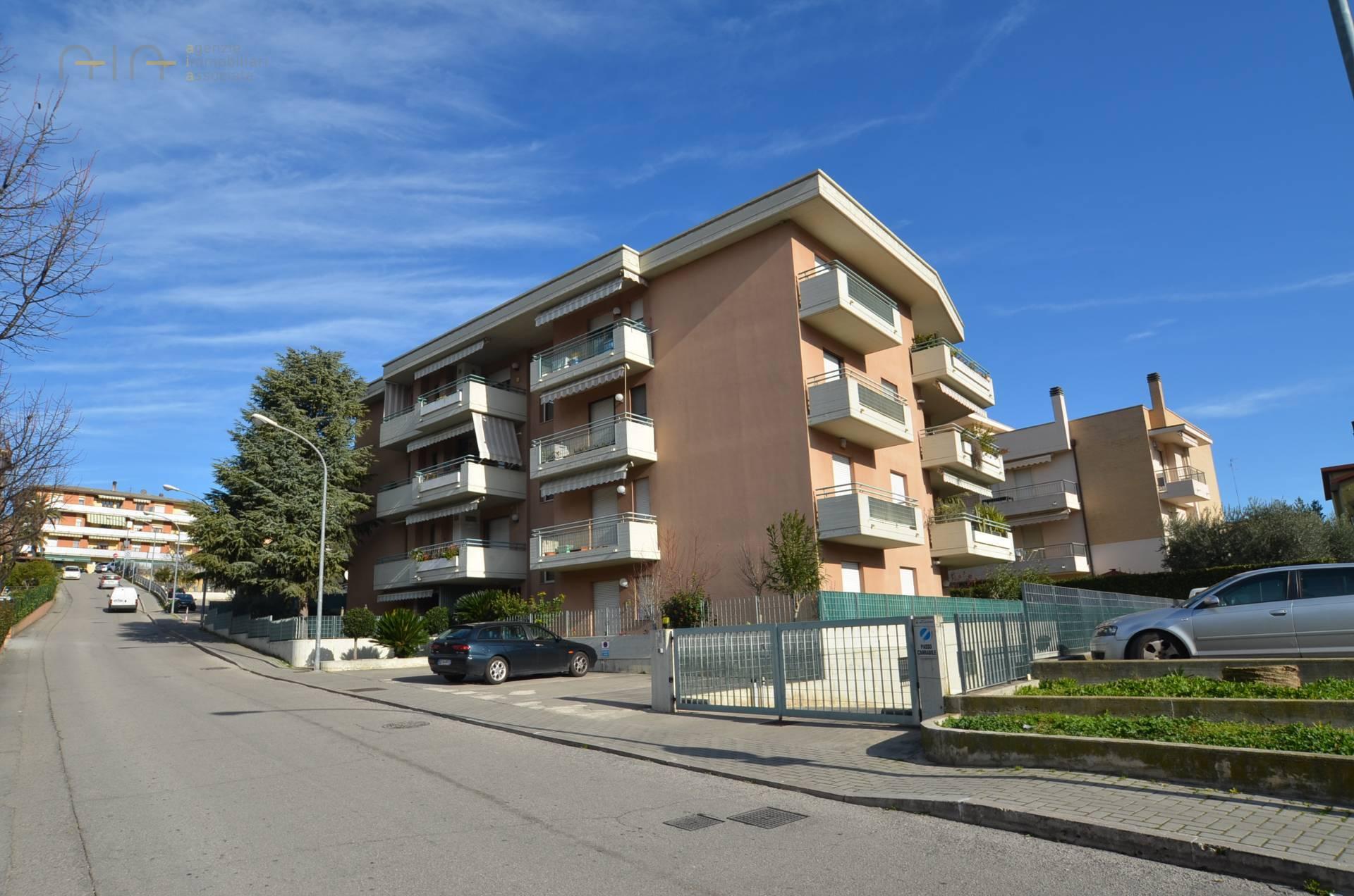Appartamento in vendita a San Benedetto del Tronto, 4 locali, zona Località: Residenzialenord(aldisopradellass16, prezzo € 198.000 | PortaleAgenzieImmobiliari.it