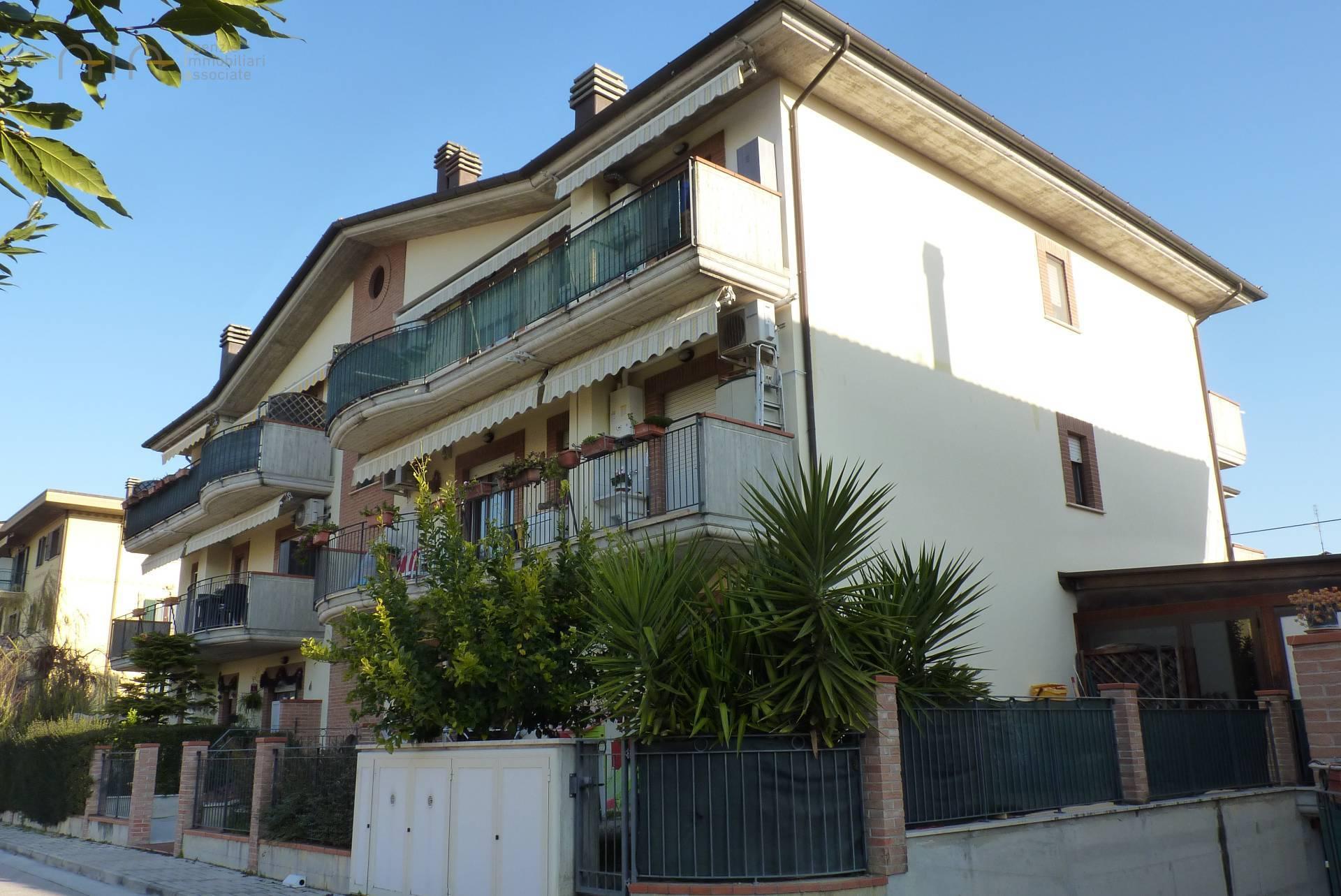 Appartamento in vendita a Spinetoli, 4 locali, zona Zona: Pagliare, prezzo € 117.000   CambioCasa.it