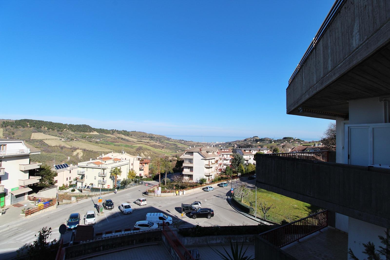 Appartamento in vendita a Monteprandone, 5 locali, zona Località: Collinare, prezzo € 105.000   PortaleAgenzieImmobiliari.it