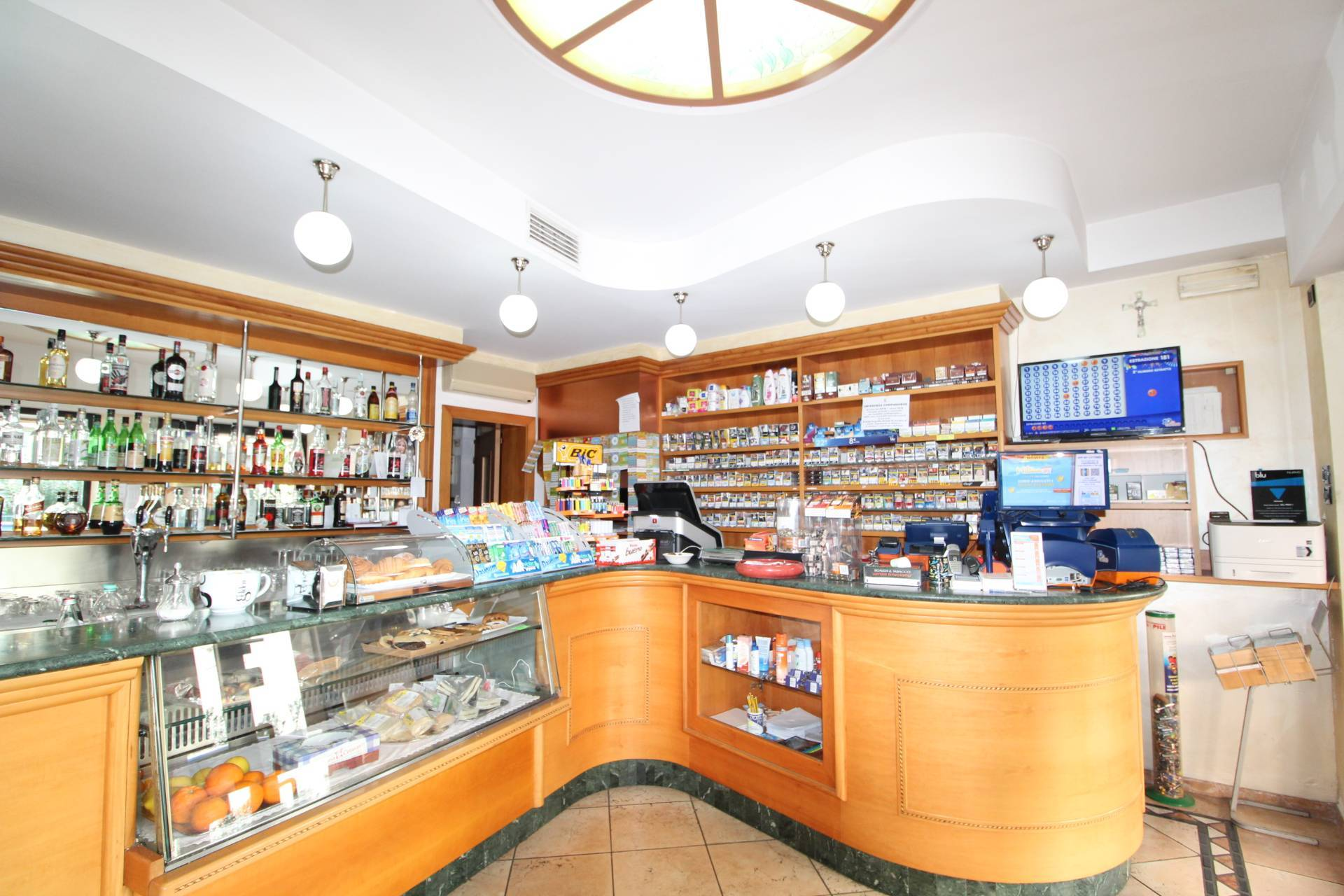 Attività commerciale in vendita a San Benedetto Del Tronto (AP)
