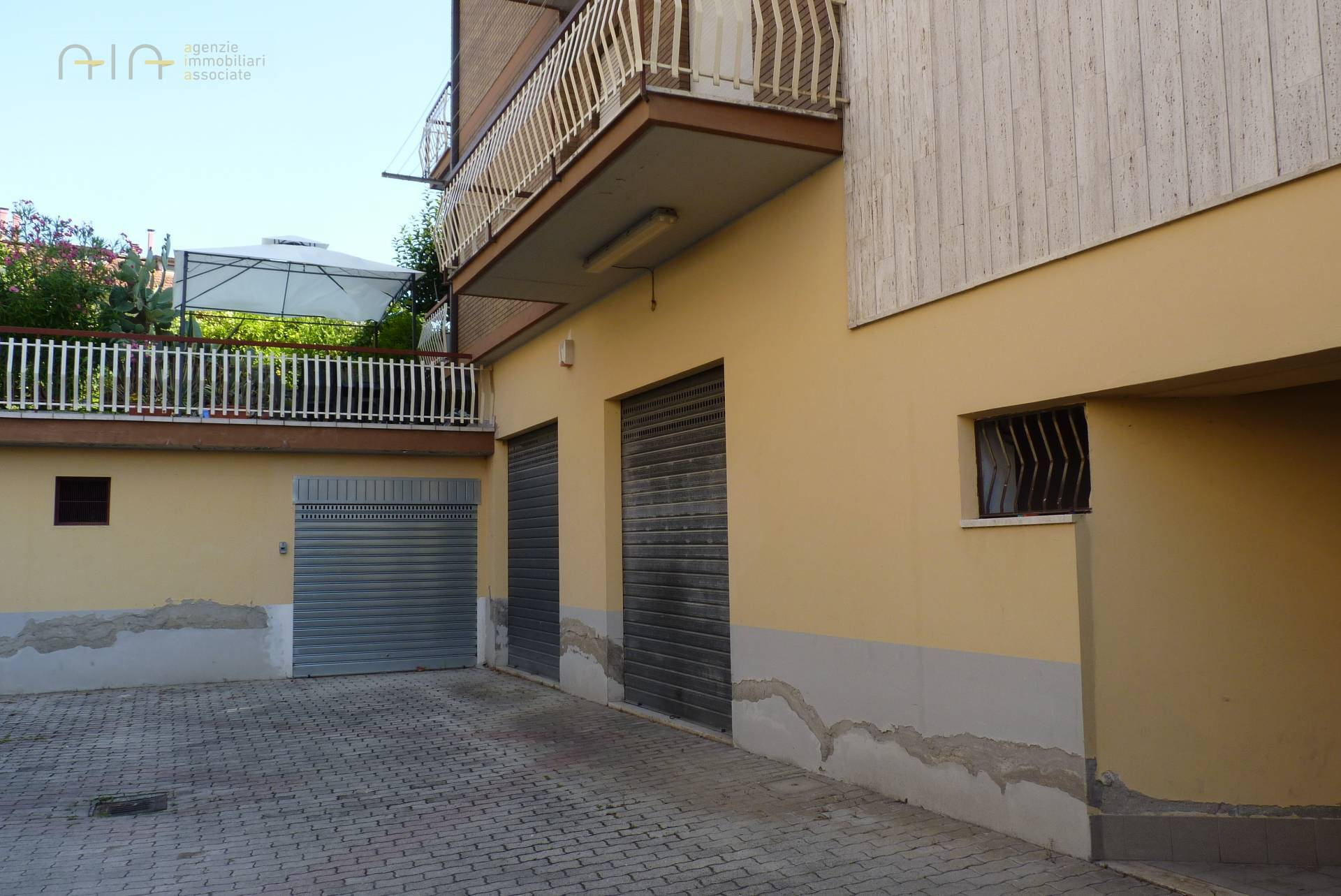 Garage/Box/Posto auto in vendita a Castel Di Lama (AP)