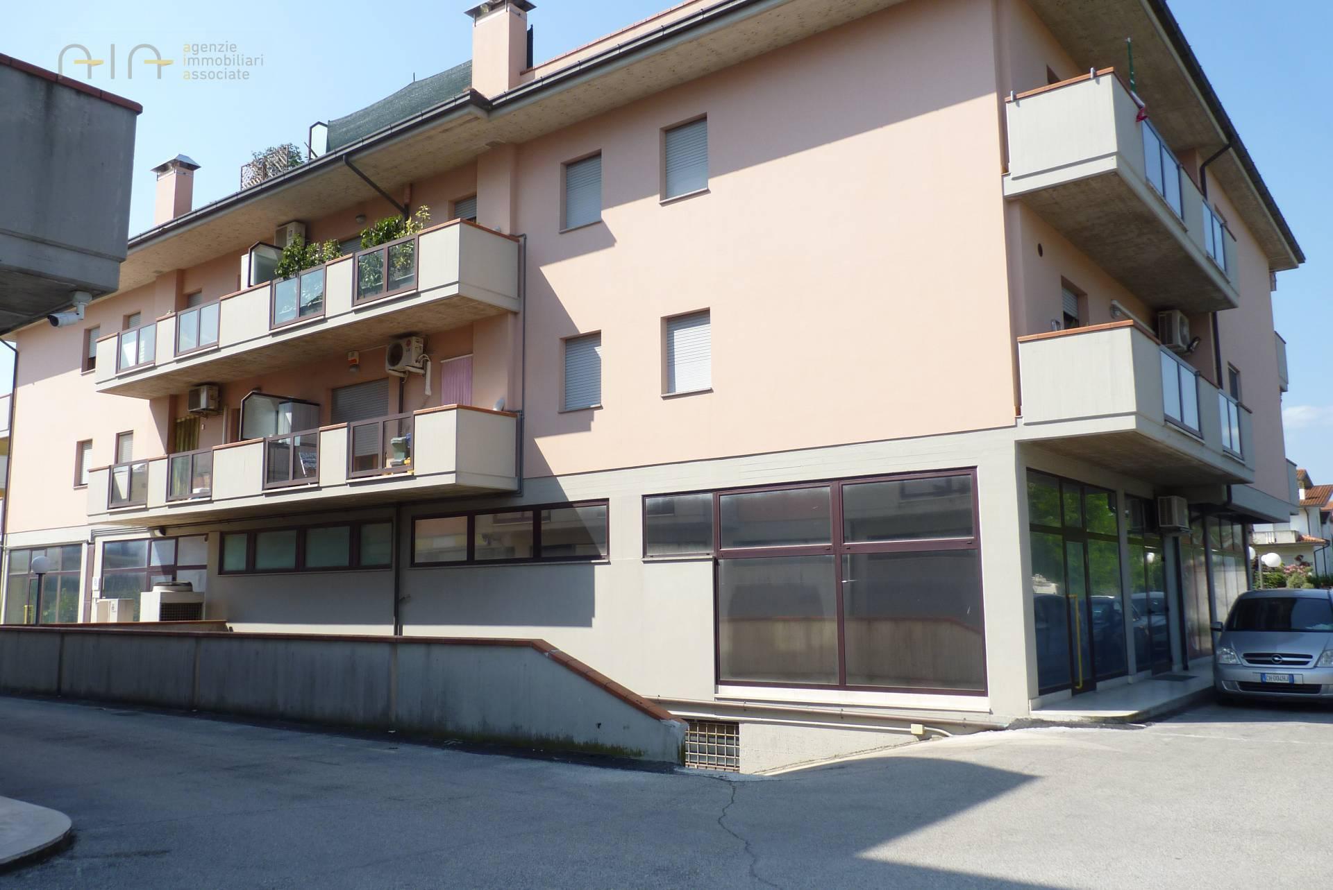 Garage/Box/Posto auto in vendita a Pagliare, Spinetoli (AP)