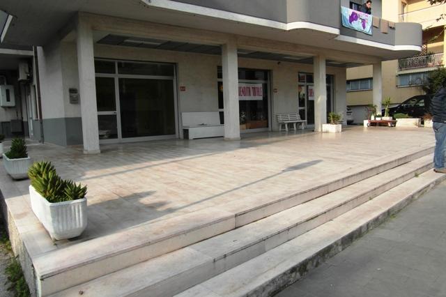 Fondo commerciale in affitto a Alba Adriatica (TE)
