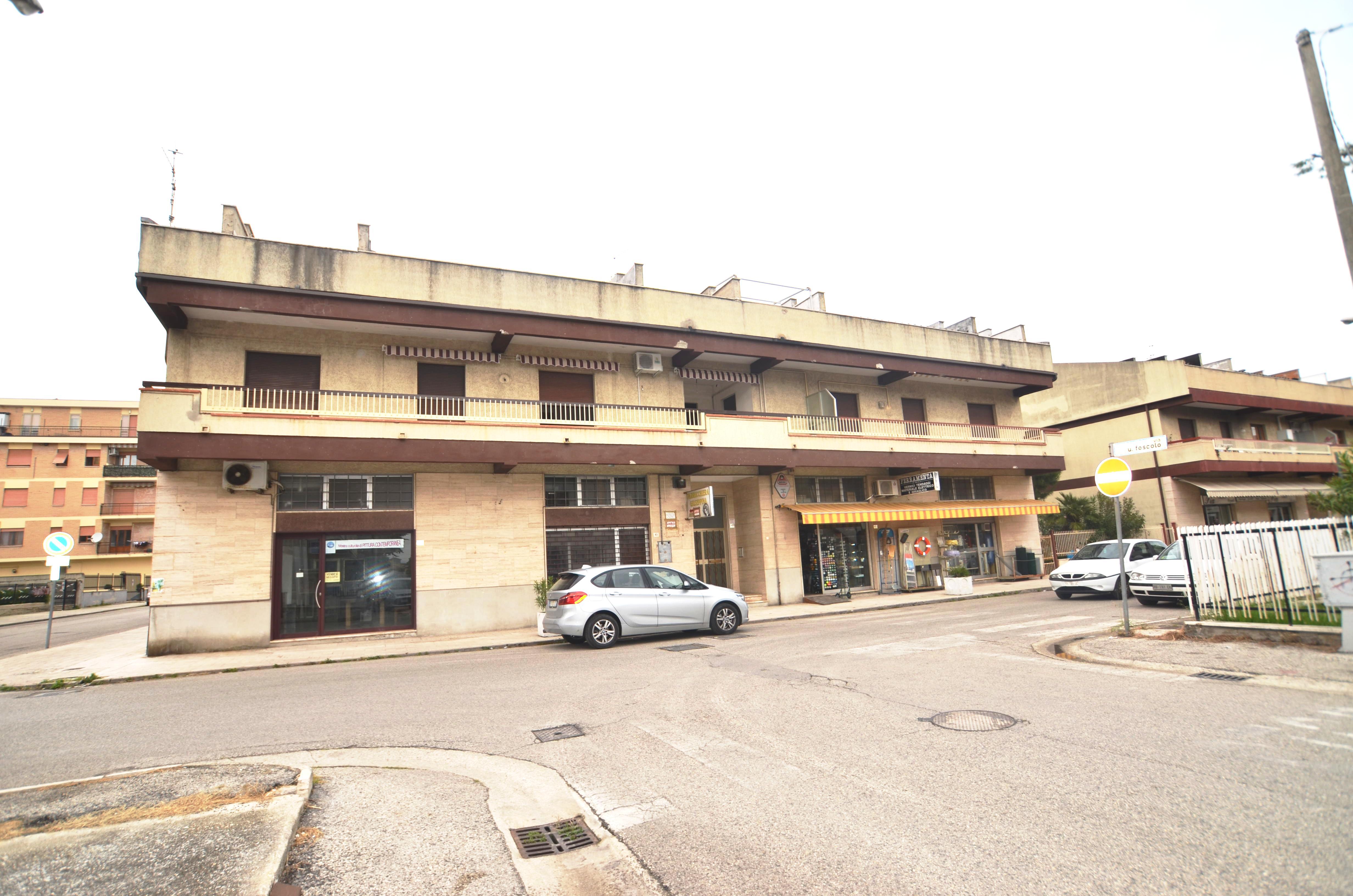 Appartamento in vendita a Martinsicuro, 3 locali, zona Località: Centrale(traLaStatale16EdIlLungomare, prezzo € 110.000 | CambioCasa.it
