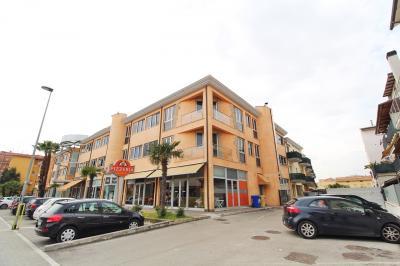 Locale Artigianale / Deposito in Vendita a San Benedetto del Tronto
