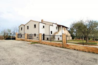 Casale Colonico in Vendita a Monsampolo del Tronto