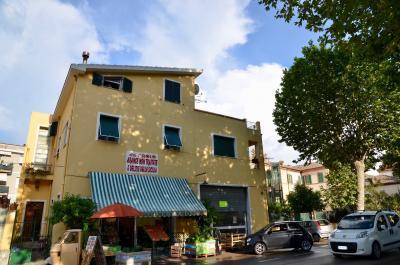Locale Artigianale / Deposito in Vendita a Grottammare