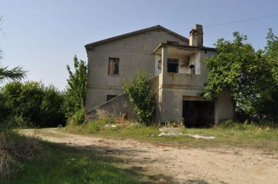 Country House for Sale in Ripatransone