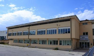 Edificio Commerciale in Vendita a Ripatransone