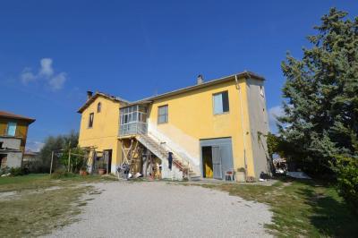 Casale Colonico in Vendita a Maltignano