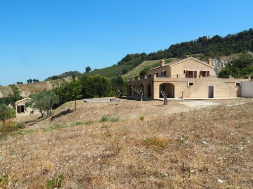 Country Houses for sale in Ripatransone