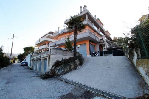 Locale Artigianale / Deposito in Affitto a Acquaviva Picena