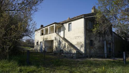 Casale Colonico in Vendita a Offida