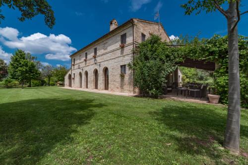Casale Colonico in Vendita a Corridonia