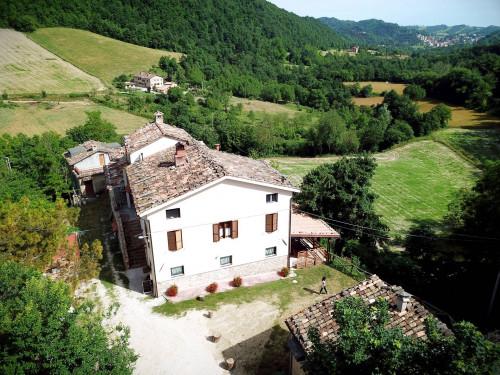 Albergo / Residence / Struttura Ricettiva in Affitto a Montefortino