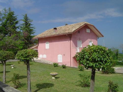 Casa in Vendita a Montalto delle Marche
