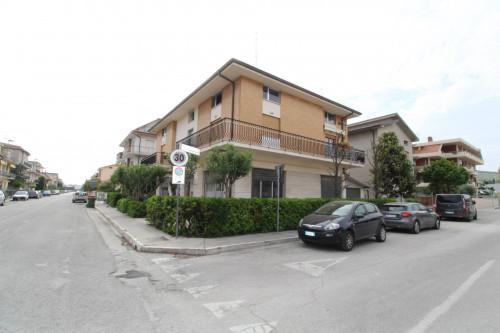 Locale Artigianale / Deposito in Affitto a San Benedetto del Tronto