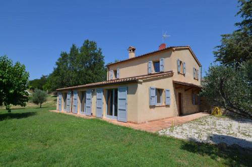 Casale Colonico in Vendita a Rosora