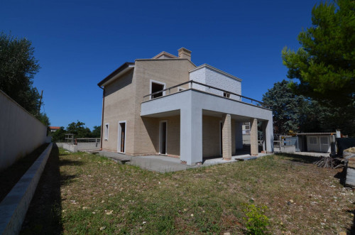 Villa in Vendita a Grottammare